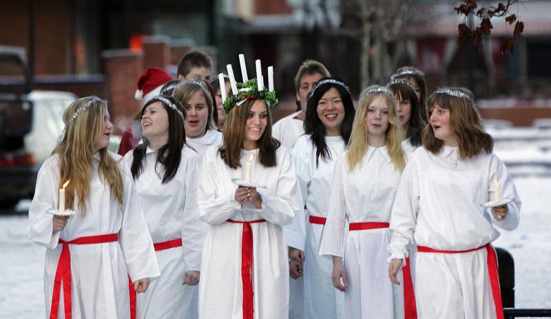 Jak se slaví vánoční svátek svaté Lucie ve Švédsku?